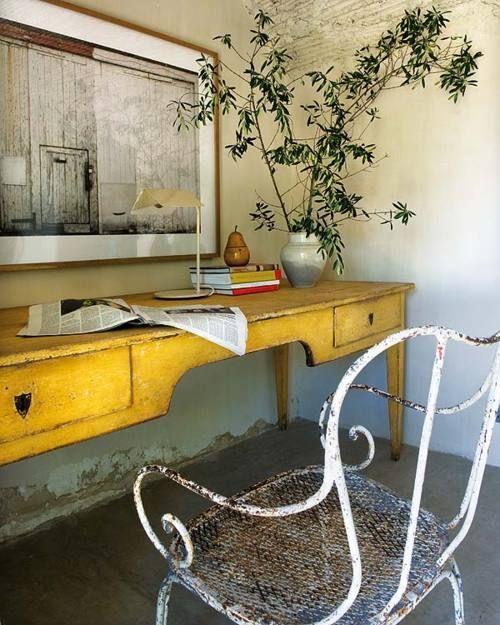mesa-amarilla-de-escritorio